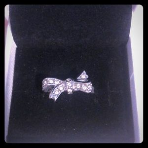 Size 8 Juicy Couture Silver Bow Ring